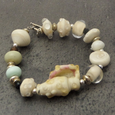 Shell lampwork glass bead bracelet